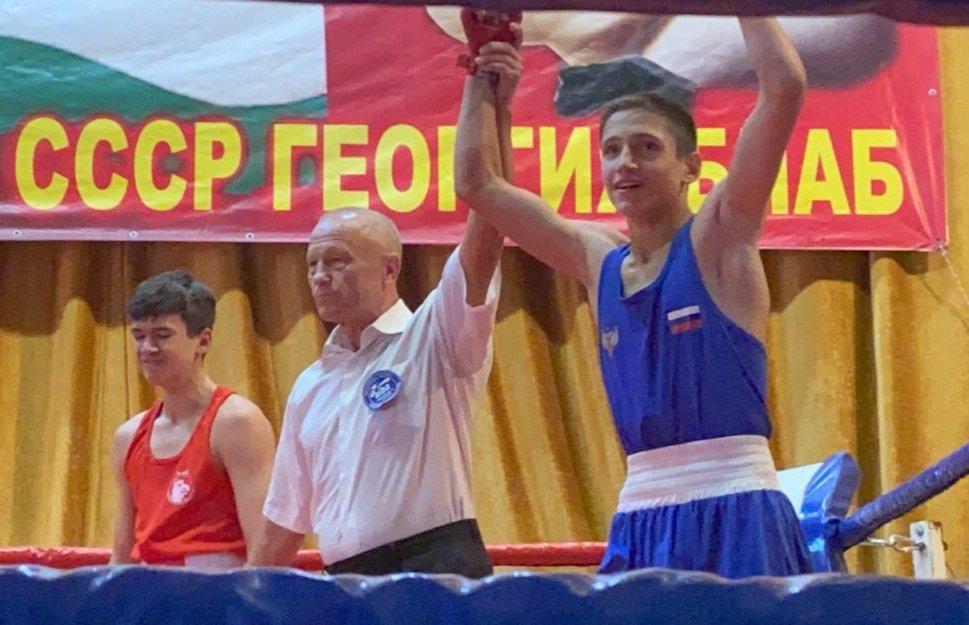 На международном турнире по боксу в Абхазии спортсмены ДНР взяли «золото» и «серебро» , фото-1