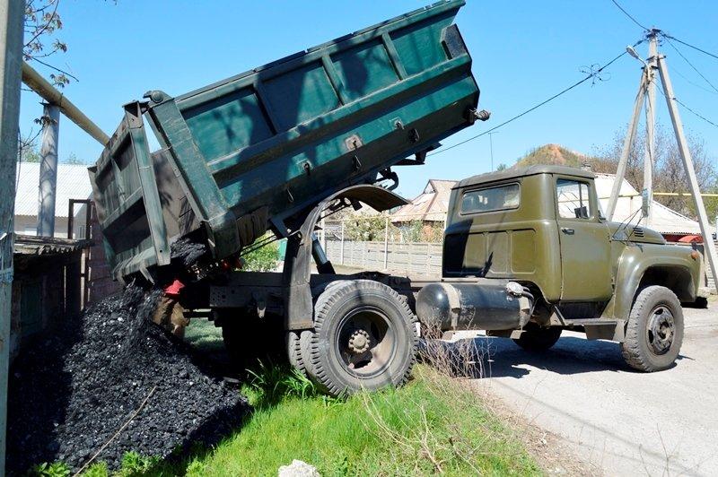 На бытовые нужды жителям ДНР направлено почти 120 000 тонн бесплатного угля с начала года, фото-1