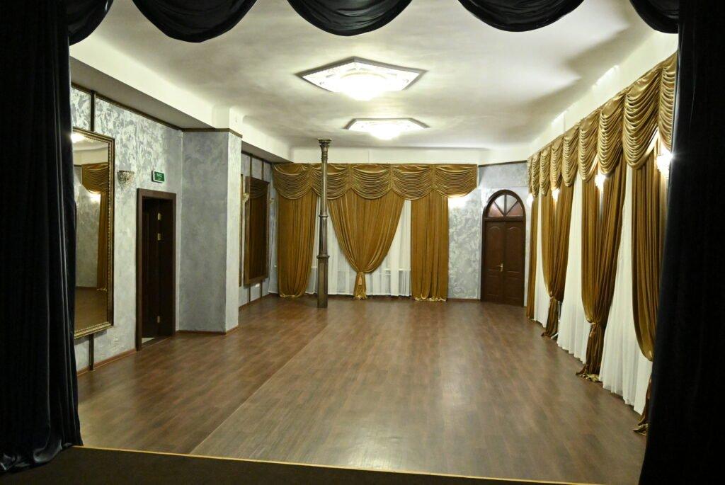 В историческом здании Донецка новую сценическую площадку откроет Донецкая муздрама , фото-1