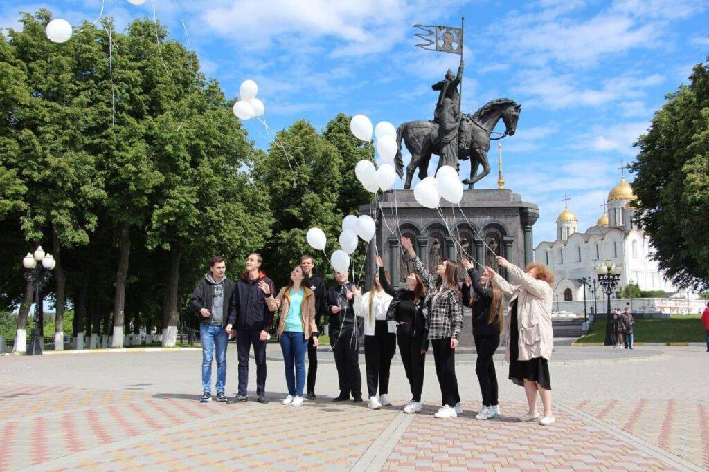 К акции памяти погибших от агрессии Украины детей Донбасса присоединились жители 12 регионов РФ, фото-1