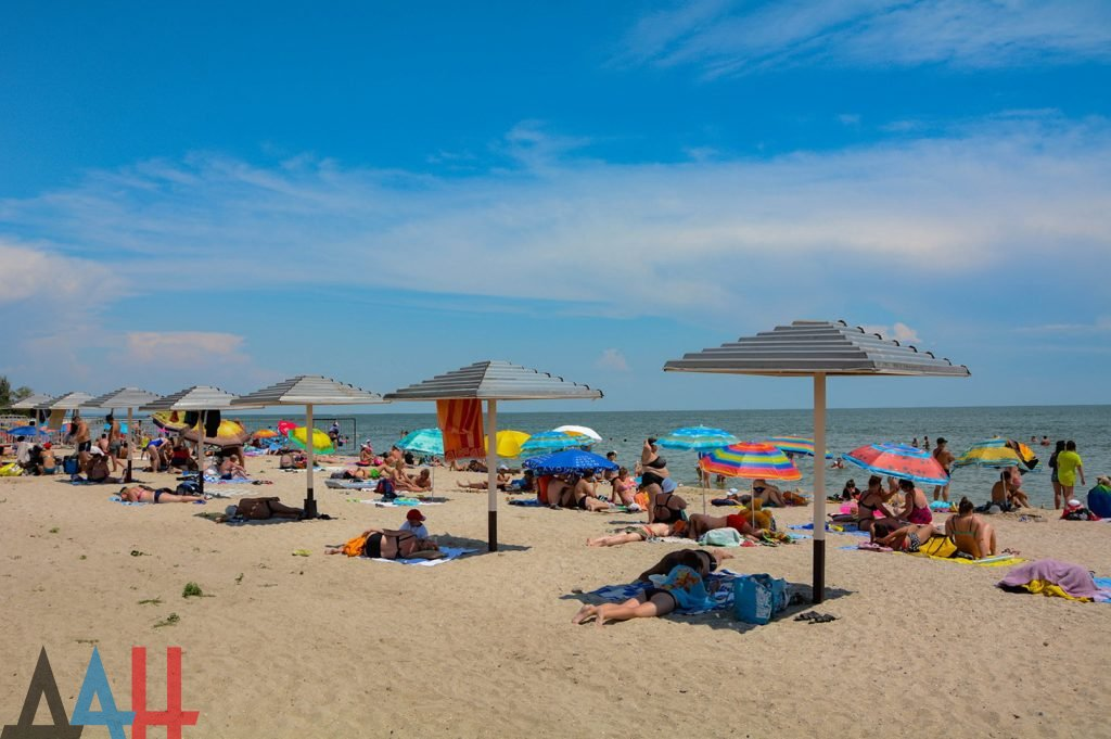 О планах летнего оздоровления шахтерских семей на Азовском побережье рассказали в ДНР , фото-1