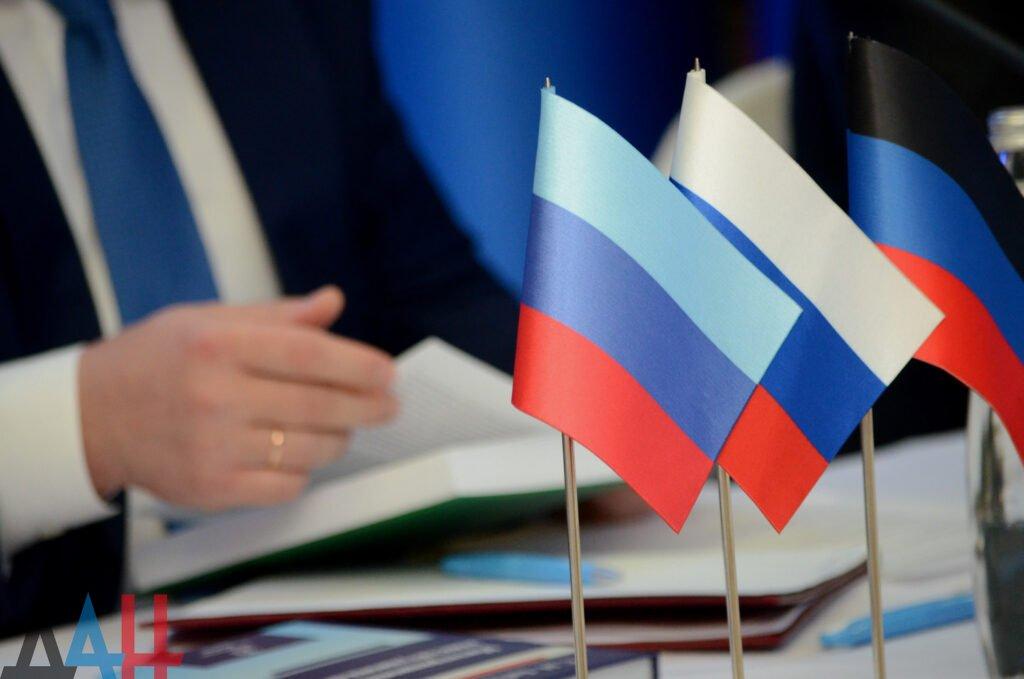 О праве жителей Донбасса на социальные гарантии наравне со всеми россиянами заявил глава ДНР, фото-1